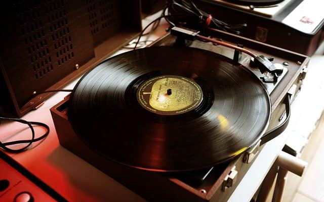 Should You Have Turntables In Your Home Studio?